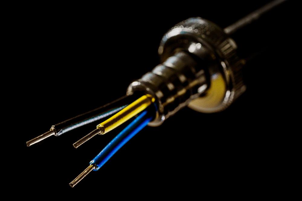 ¿Para qué sirven los colores en los cables eléctricos?